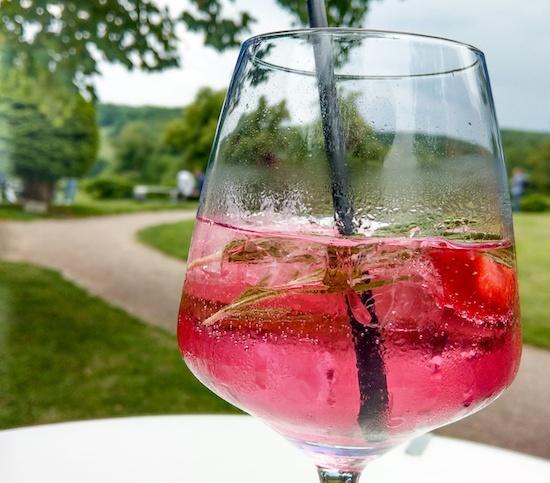 Pink gin drink